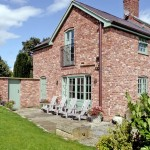 Patio & Chairs | Cae Caled Self Catering | Glan Clwyd Isa