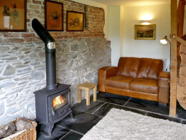 The Reading Corner | Coach House | Glan Clwyd Isa