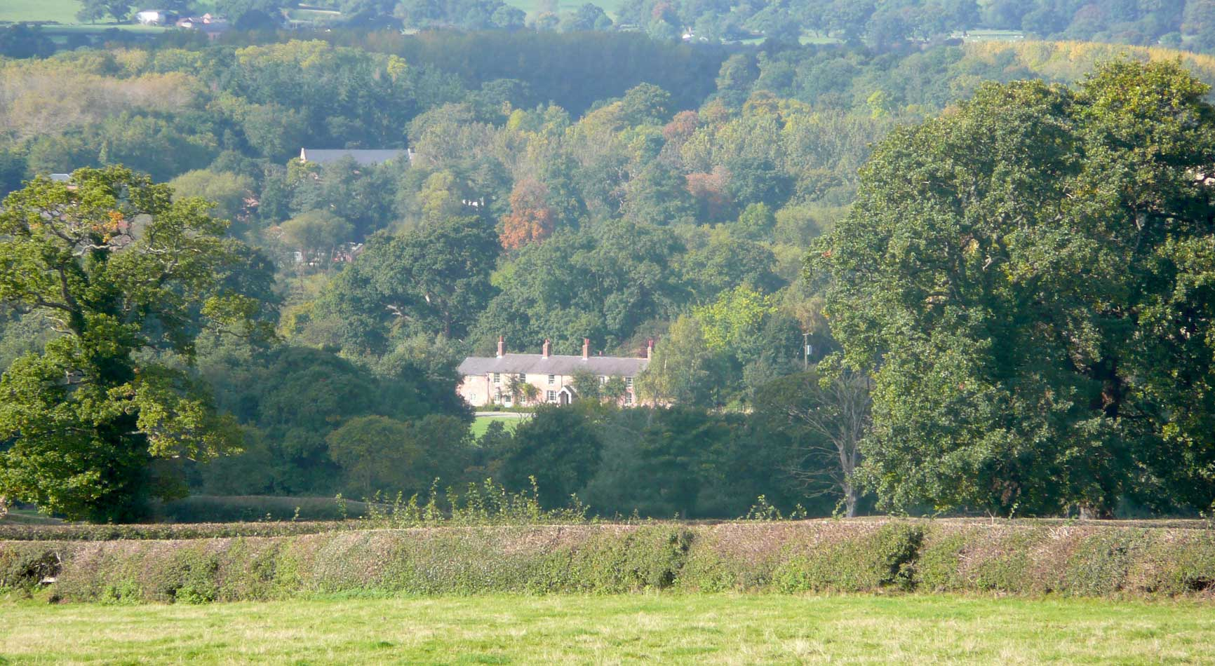 Farmhouse Bed & Breakfast Accommodation | Glan Clwyd Isa | Homeslider Image