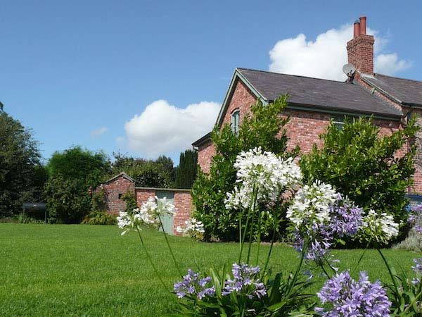 Premium Cottage Self Catering | North Wales | Glan Clwyd Isa