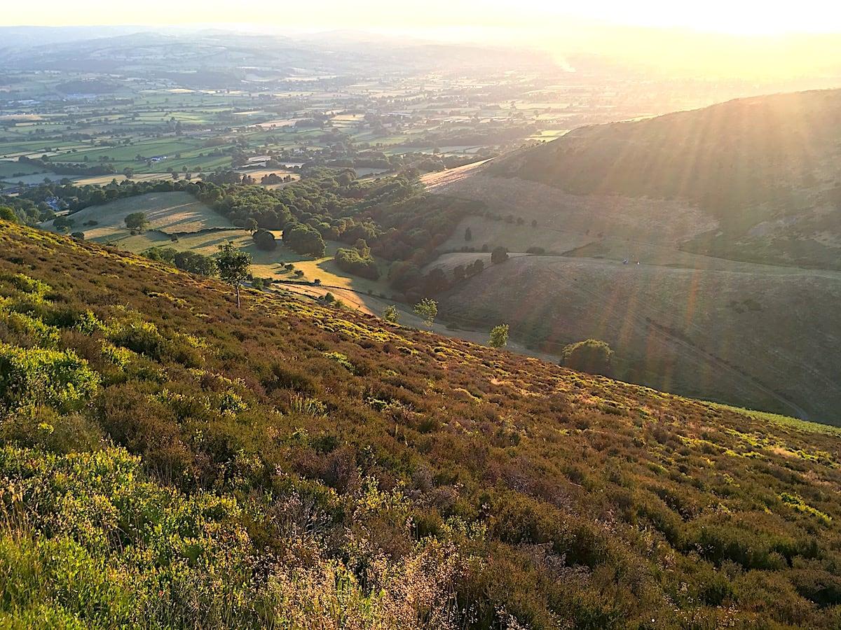 Glan Clwyd Isa   Denbighshire Sunsets 1   thefrozendivide